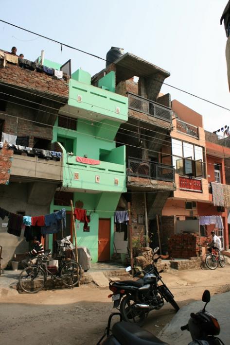 2015_chandigarh_india_een_moderne_woonwijk_die_door_de_bewoners_is_getransformeerd_foto_tom_avermaete_0
