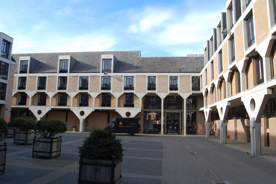 le collège Erasme à Louvain-la-Neuve (1977)