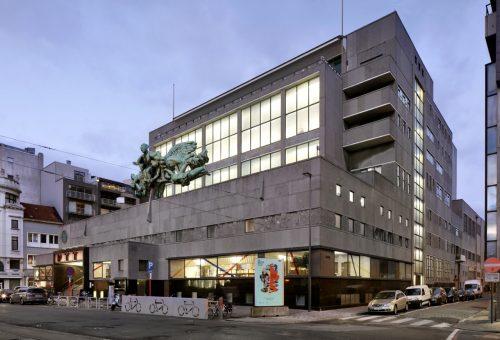 PTT / RTT gebouw in Oostende, architect Gaston Eysselinck, 1945- 1953 (Foto © Filip Dujardin & Proximus)